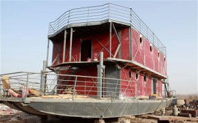 Lu Zhenghai builds Mayan Ark