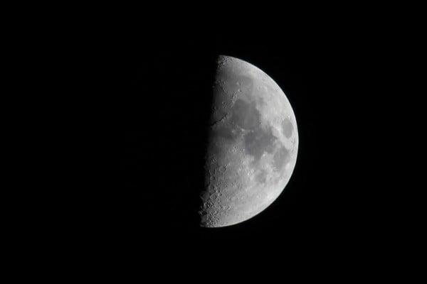 2746_Moon